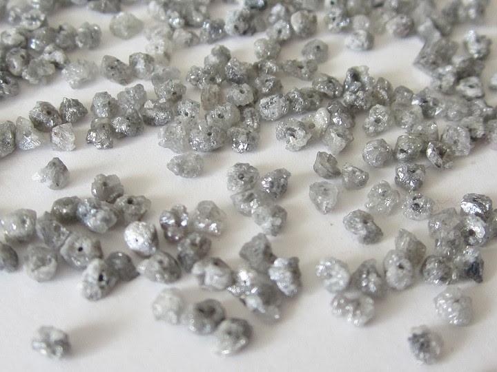 Dimants (neaptrādāts), Rae Diamond
