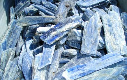 Kianīts (zilais), Kyanite