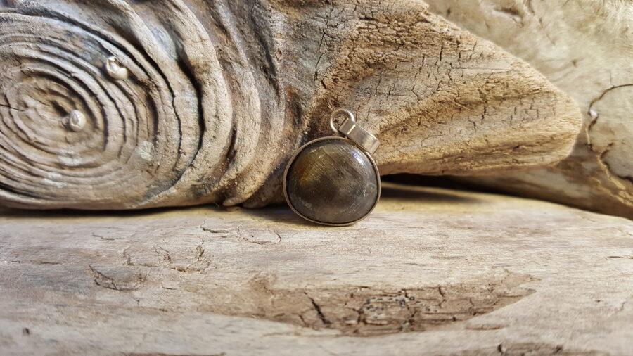 Safīra kulons Nr 1. Sudrabs. 1.5 x 1.2 cm.