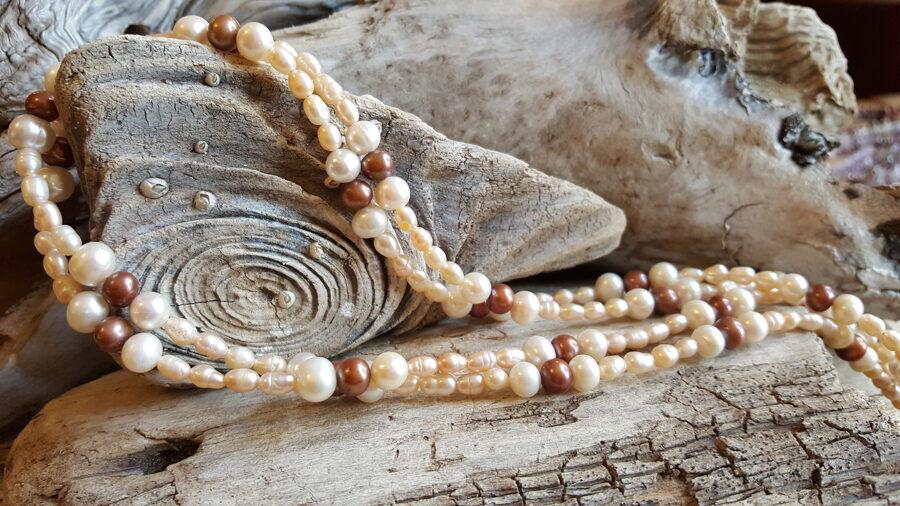 Garas dažādu krāsu pērļu krelles Garums 105 cm Divreiz ap kaklu liekamas