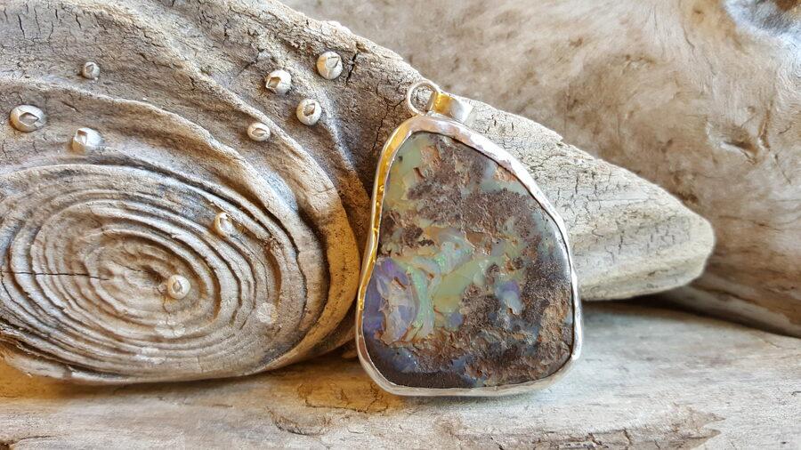 Etiopijas opāls 4 x 3.2 cm.