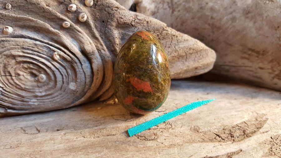 """Unakīta ola """"Nomierinošā"""" Izmērs 3.5 x 2.5 cm Zaļa bantīte"""