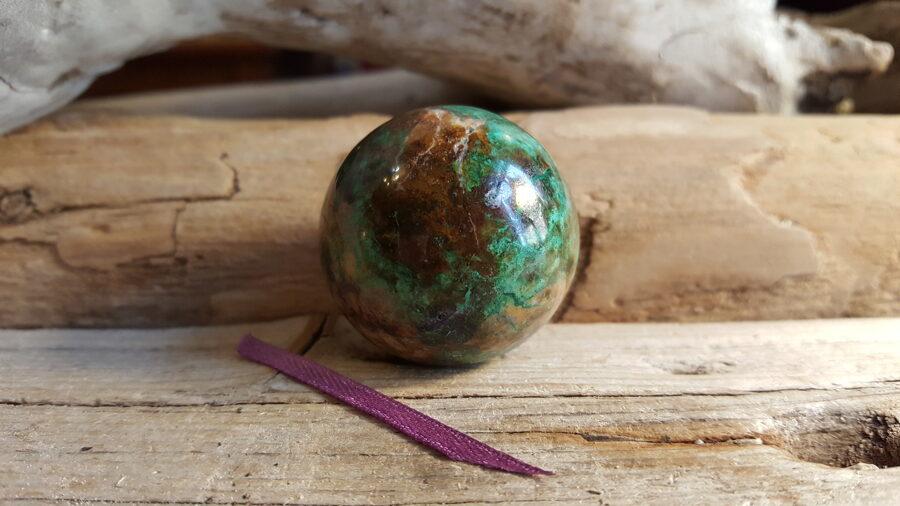 Hrizokolas lode, extra. Izmērs 3.5 cm No Peru Lillā bantīte