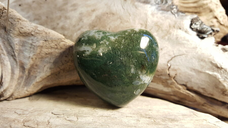 """Sūnu ahāta sirds """"Bagātība"""" nr 1. Izmērs 4.5 x 4.9  cm Noder arī kā masāžas akmens Ar dabīgām švīkām"""