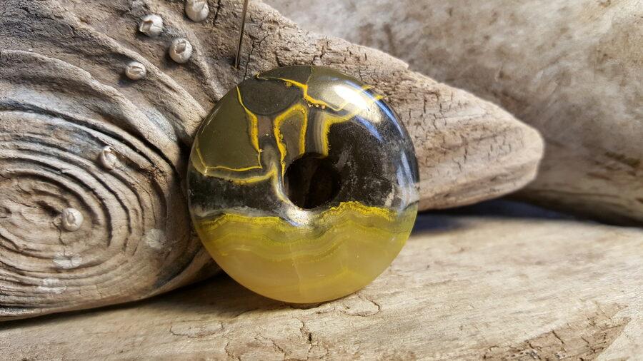 """Eclips jašmas kulons-aplis """"Nomierinošais"""" Izmērs 4 cm"""