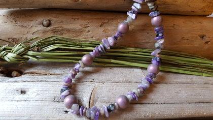 """Čaroīta krelles nr 2. ar violetām pērlītēm """"Atdzimšana"""". Garums 45cm ar pagarinājuma ķēdīti. Jaunava Skorpions Strēlnieks Mežāzis Ūdensvīrs zodiaki"""
