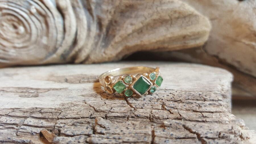 """Smaragda gredzens """"Harmonija"""" sudrabā Izmērs apmēram 19"""